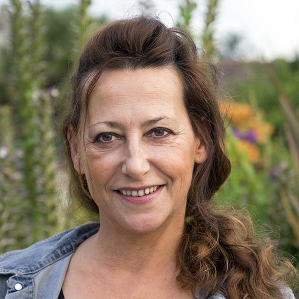 Sylvie ALIGANT<br/><strong>6ème Adjointe</strong><br/>Chargée des Animations, du Commerce et de l'Artisanat