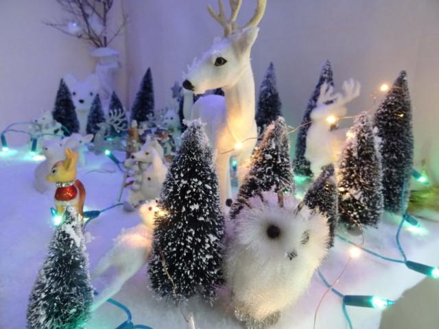 Petit village du Père Noël à la Médiathèque